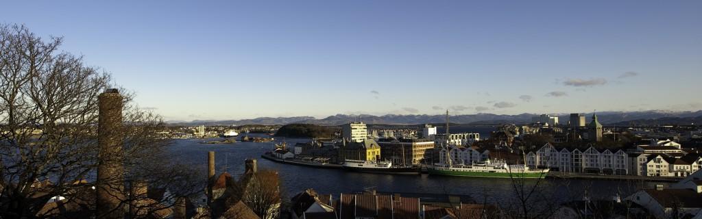 Byfjorden og hotell - Kopi